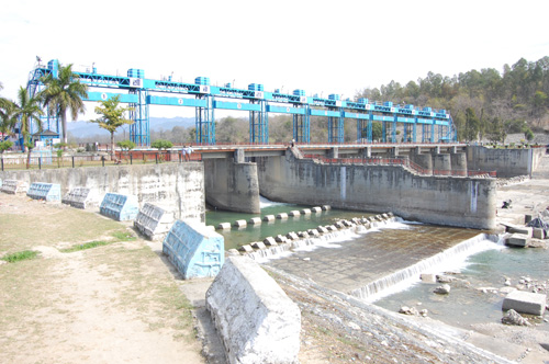 Front view of Kosi Barrage at Ramnagar